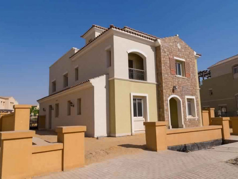 Villa For Sale in Mivida - 500 meter